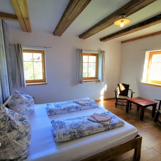 Ferienhaus »Haus anno 1750« - Schlafzimmer im Erdgeschoss
