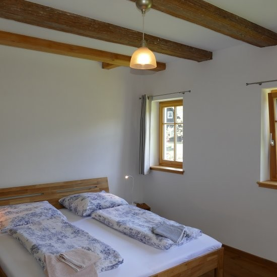 Holiday house »Haus anno 1750« - Schlafzimmer im Erdgeschoss