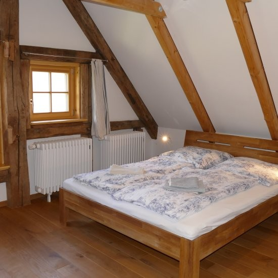 Ferienhaus »Haus anno 1750« - 2. Schlafzimmer im Dachgeschoss
