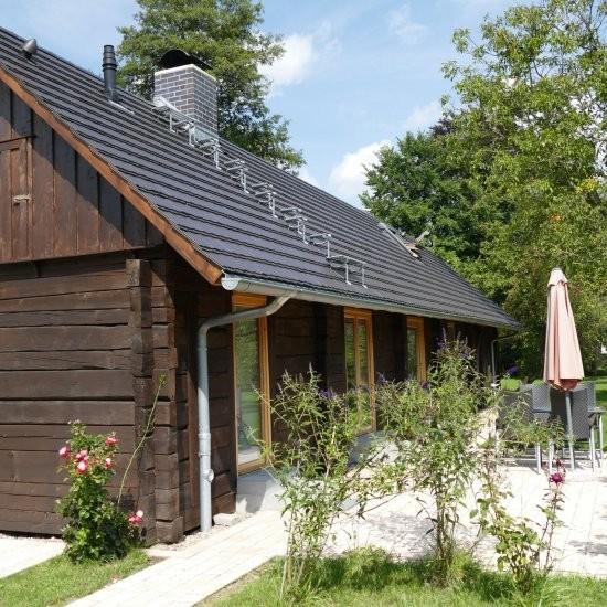 Ferienhaus »Scheune« - Terrasse an der Gartenseite